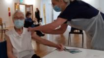 """O scoțiancă de 101 ani, supravieţuitoare a gripei spaniole, s-a vaccinat împotriva COVID-19: """"Este doar un alt vaccin"""""""