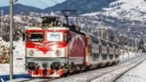 Tren plin cu pasageri, BLOCAT în câmp din cauza gerului. Întârzieri uriașe pe ruta Galați-București, după ce o locomotivă s-a defectat / Foto: Arhiva
