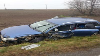 Impact violent între două autovehicule: Cinci răniți, doi dintre ei fiind transportați la spital