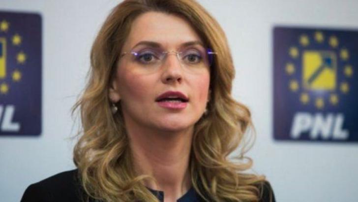 Alina Gorghiu, senator PNL, fost președinte PNL