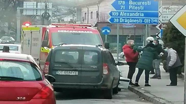 Două accidente rutiere, în decurs de câteva minute, în Slatina: O persoană a fost rănită. Cum s-a întâmplat asta