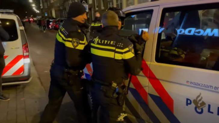 Proteste violente anti-restricții în Olanda. Foto: captură YouTube