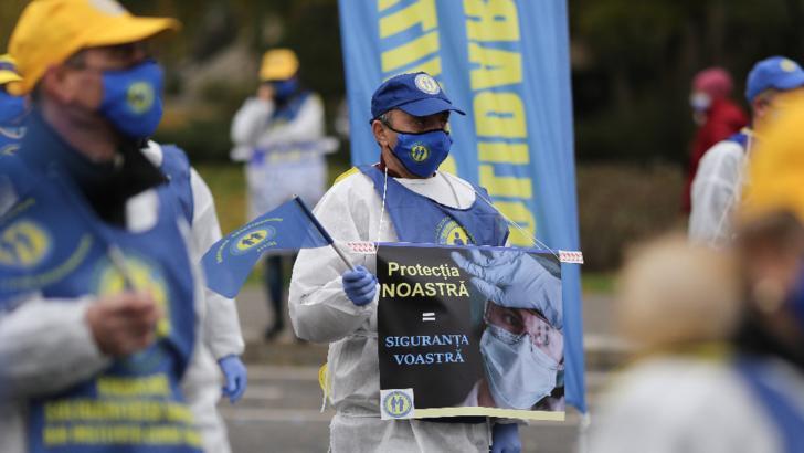 Noi proteste, astăzi, în Piaţa Victoriei şi în faţa mai multor prefecturi / Foto: Inquam Photos, Sabin Cirstoveanu