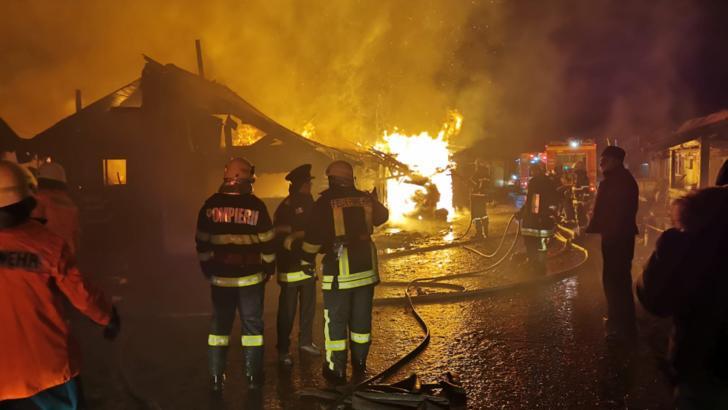 Incendiu în comunitatea de romi din Miercurea Ciuc. Foto: captură ISU Harghita