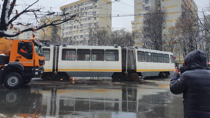 Tramvai deraiat în zona Colentina din Capitală