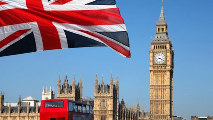 MAE: Noile condiții de intrare în Anglia se vor aplica începând de luni - Călătorii trebuie să prezinte un test negativ covid