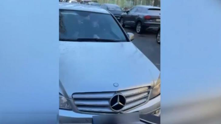 Interlopul care a intrat cu mașina în căruciorul în care se afla un bebeluș, cunoscut drept unul dintre cei mai periculoși bătăuși din București, REȚINUT