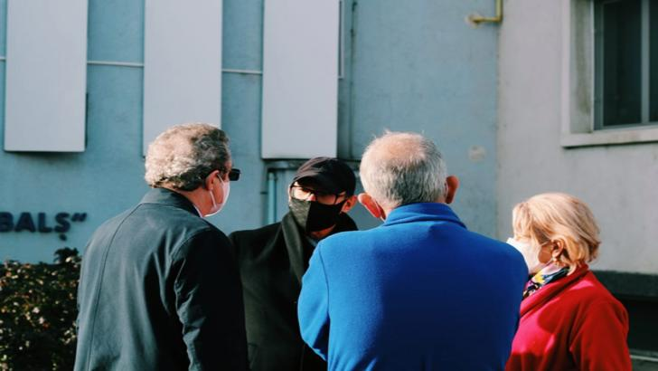 """Premierul Florin Cîțu în vizită la Institutul """"Matei Balș"""", la o zi după incendiu, 30 ianuarie 2021 Foto: Facebook.com/FlorinCitu"""