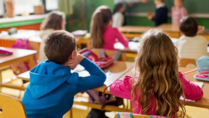 copii la școală