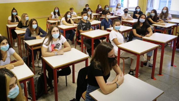 școală în timpul epidemiei de COVID-19