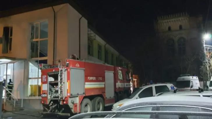 Doi pacienți, principalii suspecți în cazul incendiului de la Spitalul din Roman