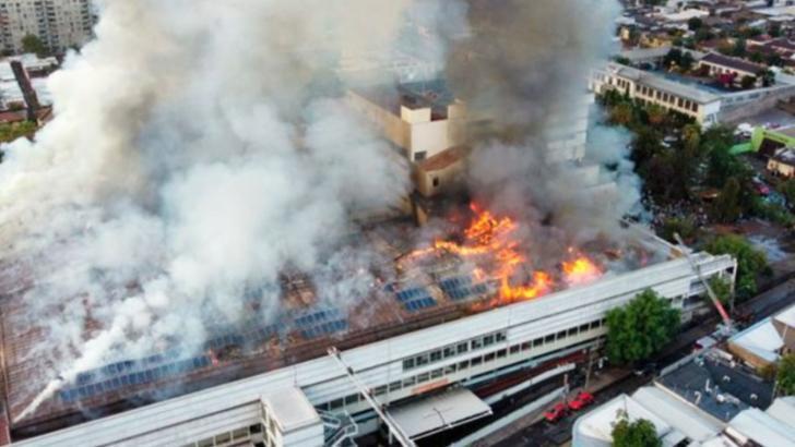 Incendiu puternic într-un spital din Santiago de Chile, 30 ianuarie 2021