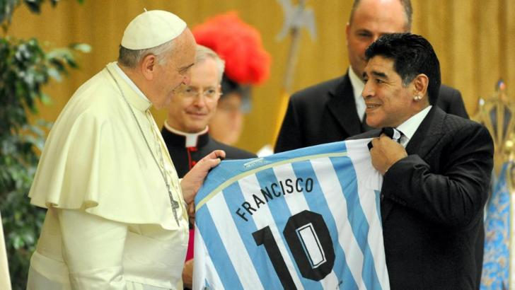 """Diego Maradona, omagiat de Papa Francisc: ,,Pe teren a fost un poet!"""""""