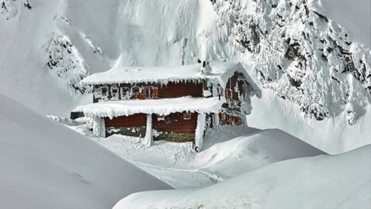 Risc mare de avalanşe în Munţii Făgăraş, Şureanu şi Parâng. Zăpadă de 2 metri la Bâlea Lac (sursă FB/Meteo Buzau)