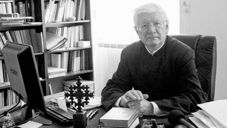 Mircea Păcurariu, teolog și istoric