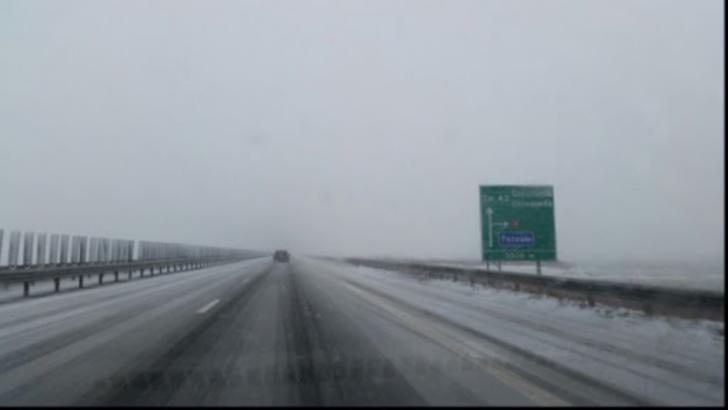 Avertizare de polei pentru Autostrada A3 București – Ploiești. Autoritățile anunță că împrăștie material antiderapant
