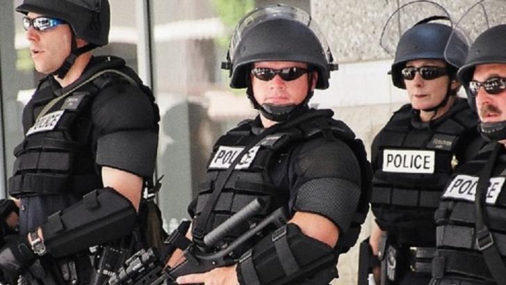 Român bănuit că pregătea un atentat la Washington, arestat. FBI a intrat în locuința bărbatului