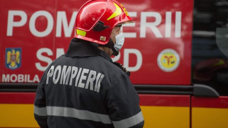Incendiu într-un parc industrial din Ploiești. 100 de muncitori au fost evacuați de URGENȚĂ