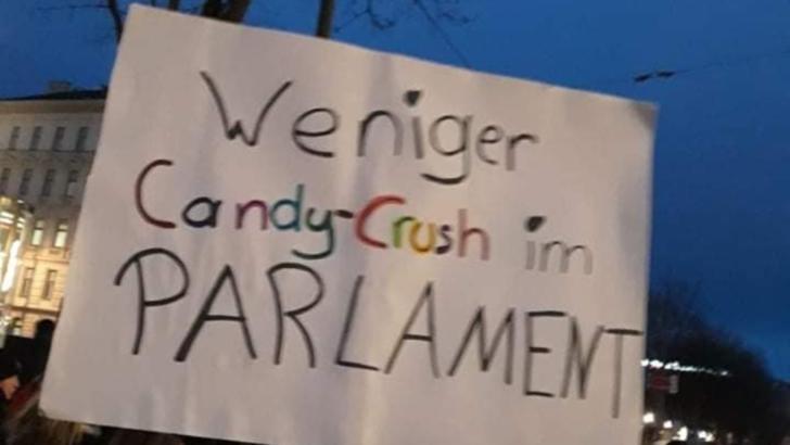 Proteste antimască la Viena. Numeroși români între miile de demonstranți (Antonia Hendrick)