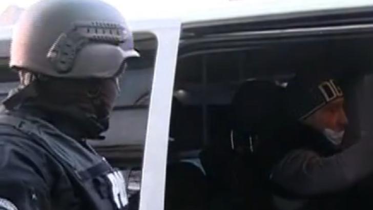 VIDEO Interlopul care a lovit cu mașina un cărucior în care se afla un bebeluș a fost ARESTAT