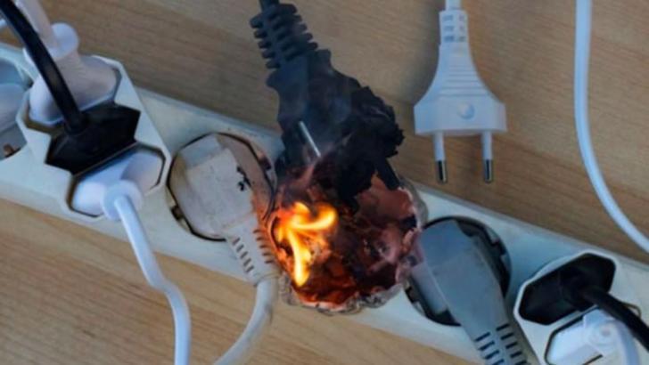 Posibila cauză a incendiului, scurtcircuit eletric
