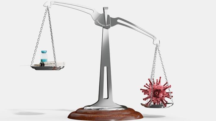 Vaccinul Pfizer/BioNtech, sub lupa autorităților britanice