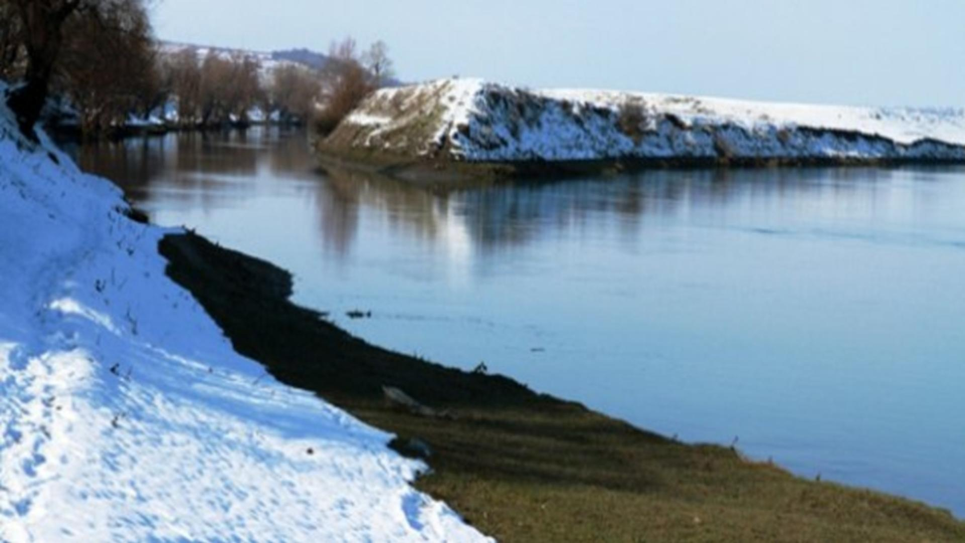 Imagine râu Nistru