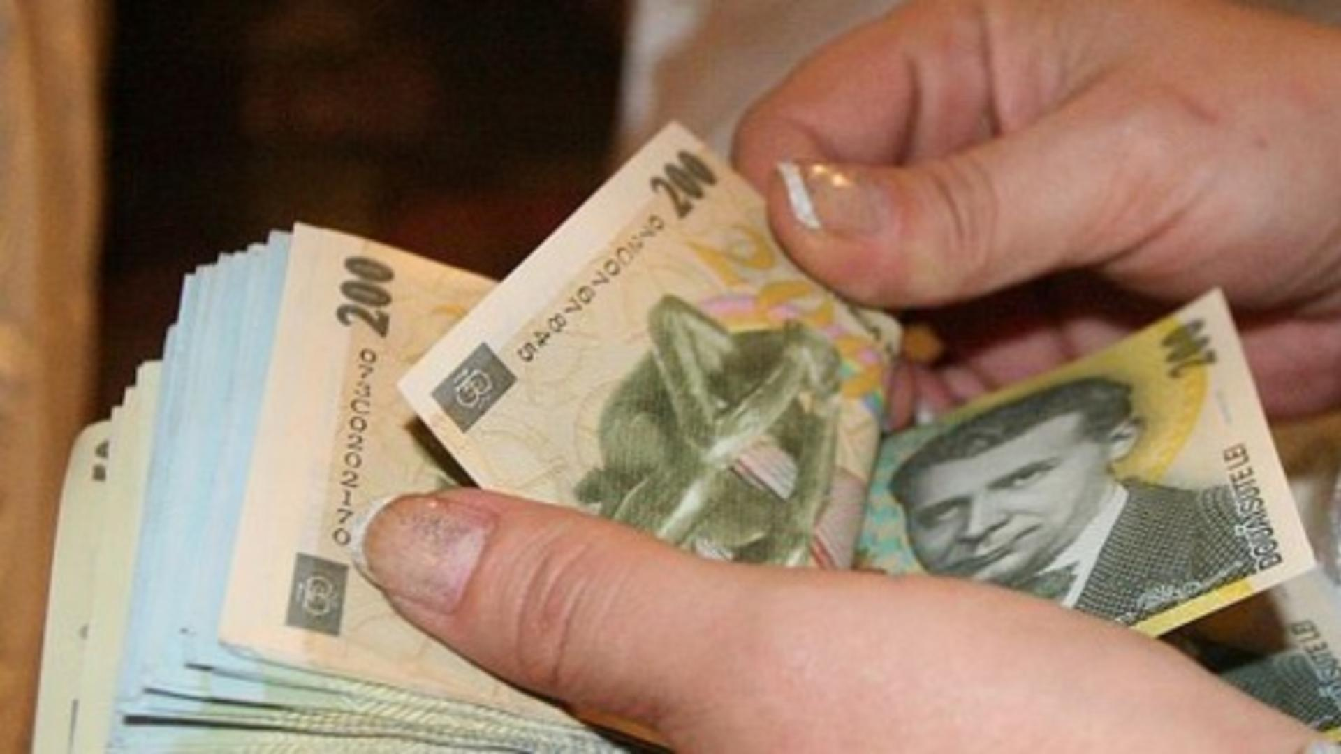 Un consilier parlamentar poate câștiga peste 7.500 de lei