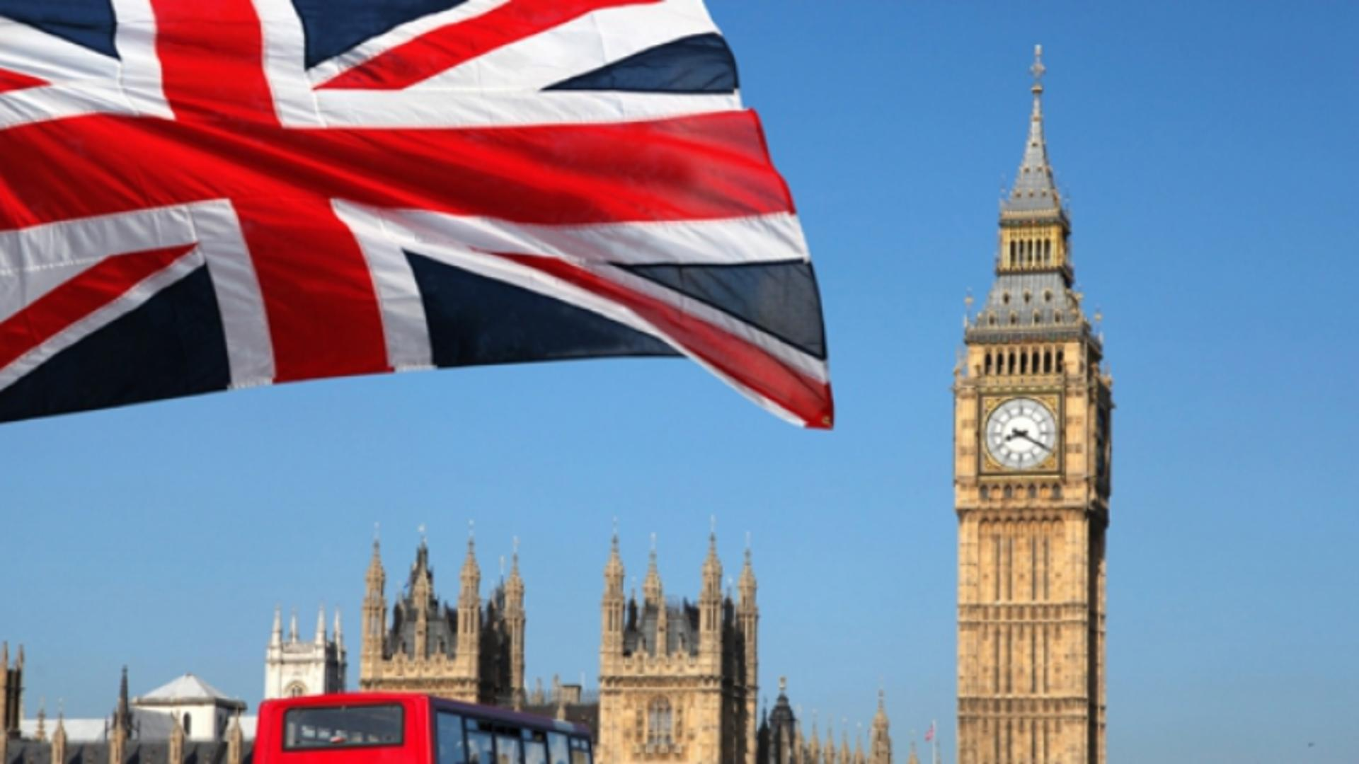 Autoritățile le mulțumesc britanicilor care se vaccinează