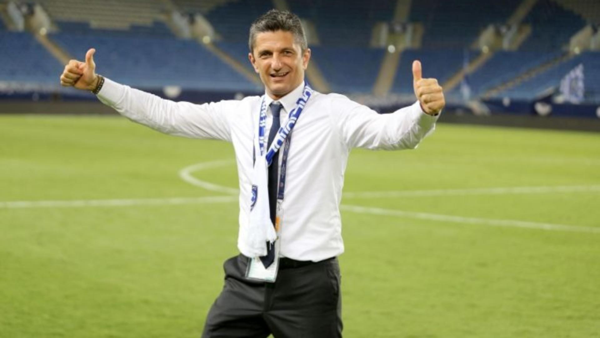 Răzvan Lucescu, viitorul antrenor al lui Ozil? Fenerbahce a pus ochii pe tehnicianul român. Anunțul făcut în Turcia