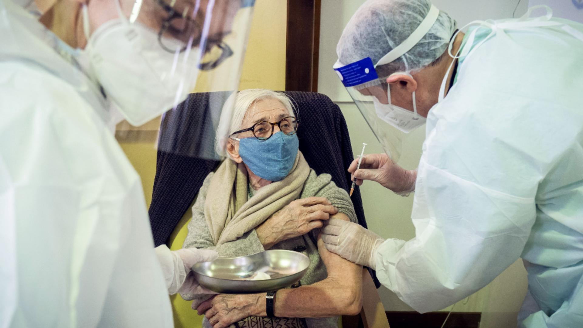 Peste 890.000 de români au fost imunizați până în prezent