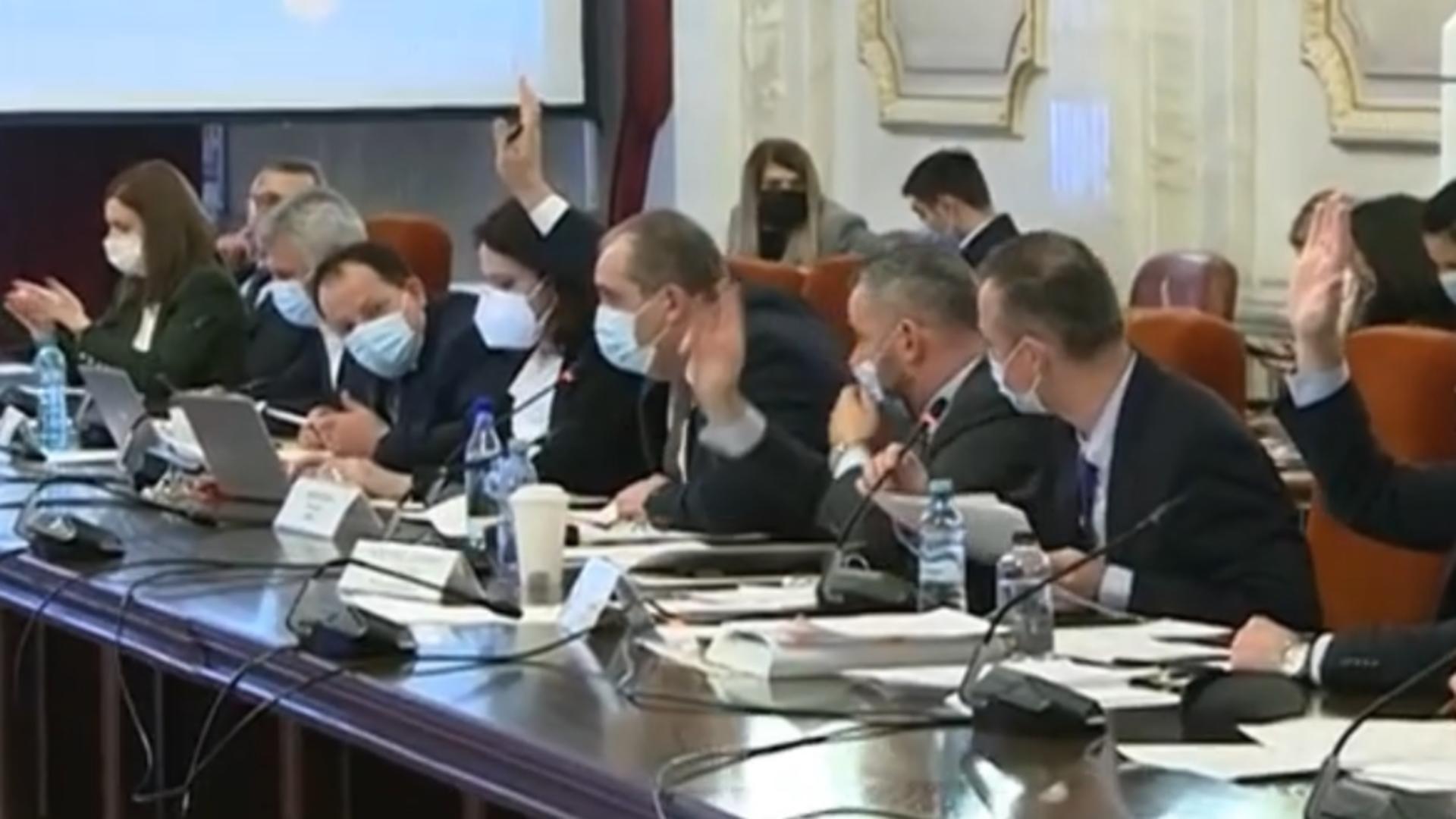 Scandal în Comisia Economică