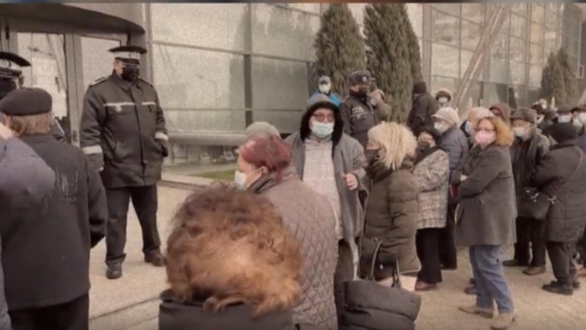 Incident la un centru de vaccinare din Craiova. Foto: captură Realitatea Plus