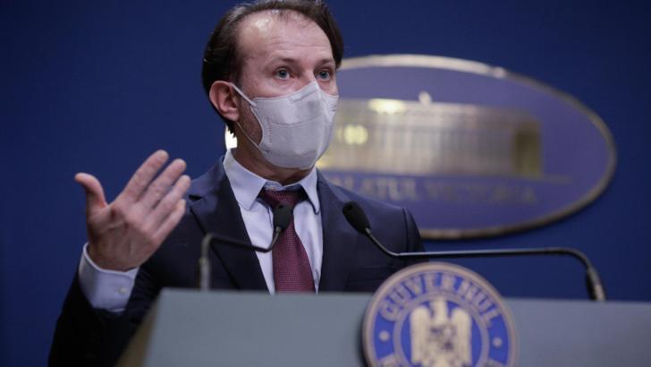 Premierul Florin Cîțu în timpul unei conferințe de presă la Guvern