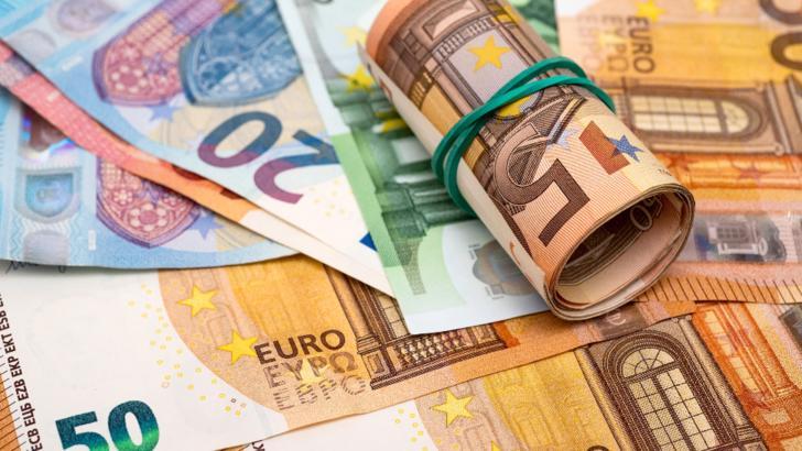 Sute de bancnote false de 50 de euro au fost puse în circulație / Foto: Profi Media Images