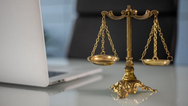 Mai mulți studenți la Facultatea de Drept au fost propuși pentru exmatriculare