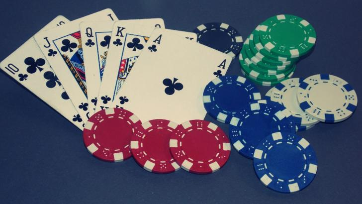 Poker in loc de carantina