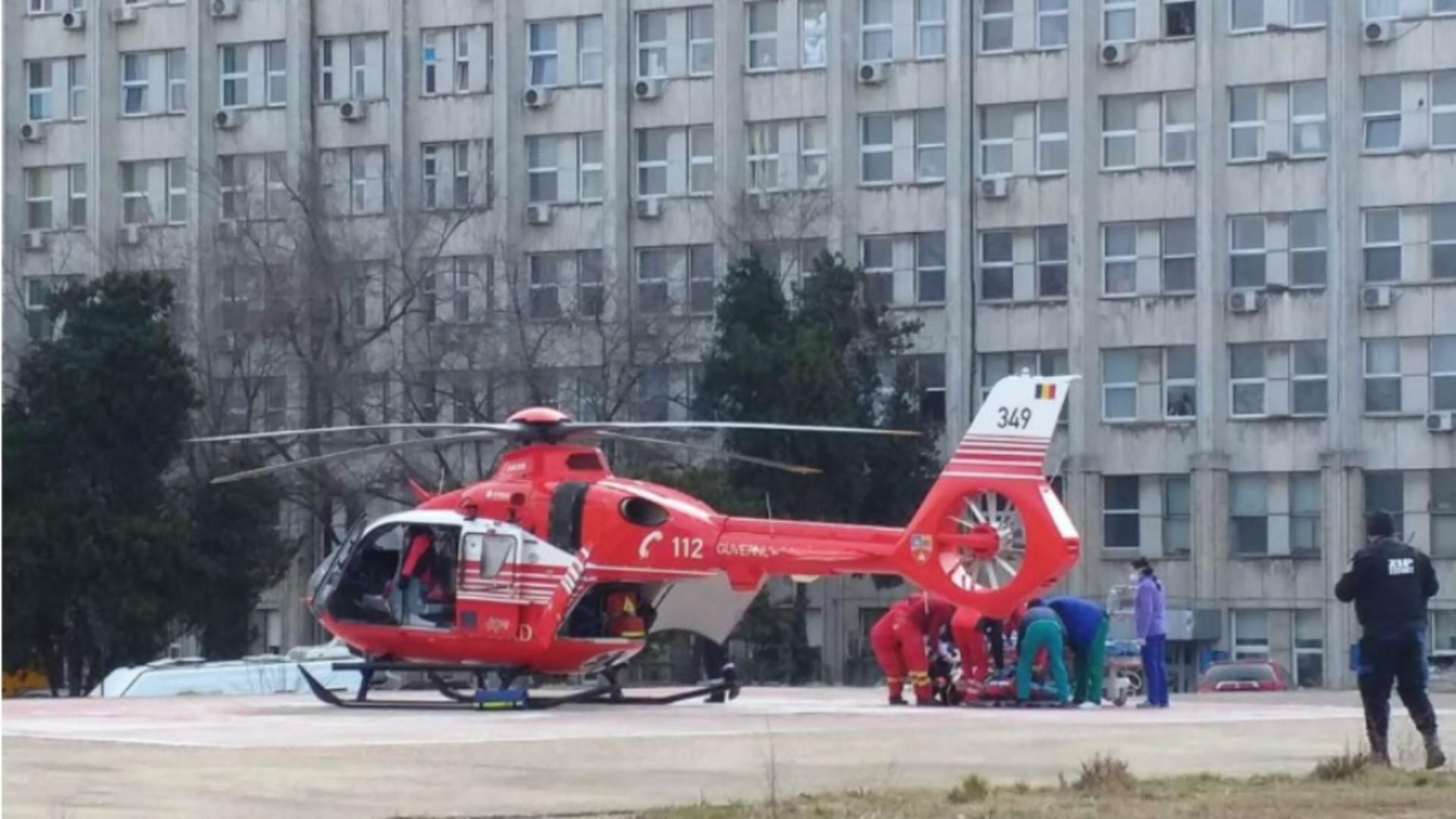 Un elicopter SMURD l-a trasnporat pe jandarm la Spitalul din Constanța (sursă: replicaonline.ro)