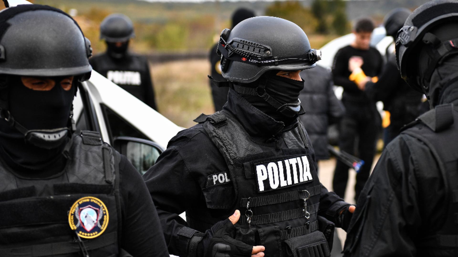 Zeci de suspecți au fost aduși pe audieri (foto: arhiva)