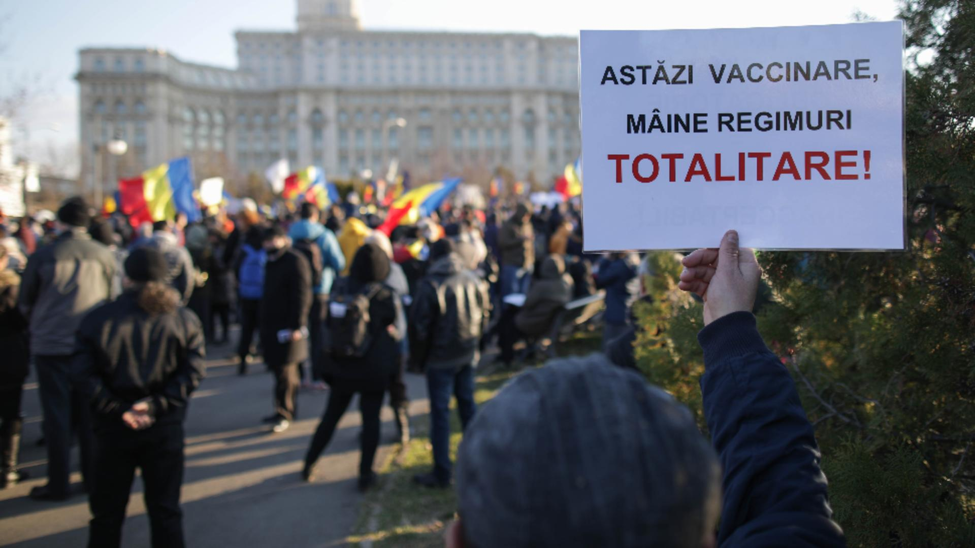 Protest anti-vaccin la Parlament: sursa foto - INQUAM