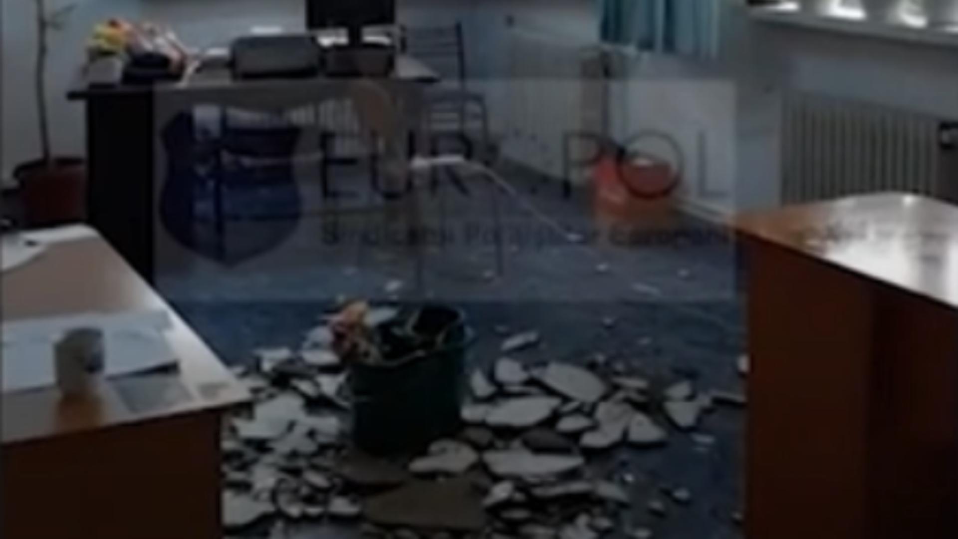 Tavan secție poliție prăbușit