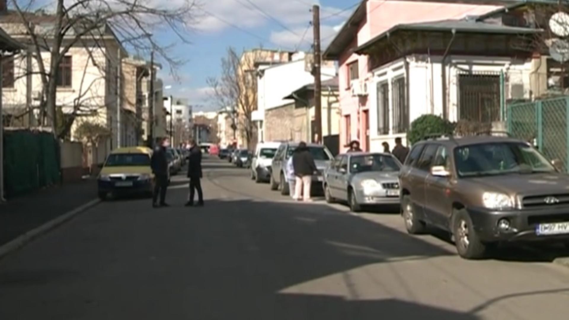 Locuințe evacuate, în sectorul 4, din cauza mirosului de chimicale