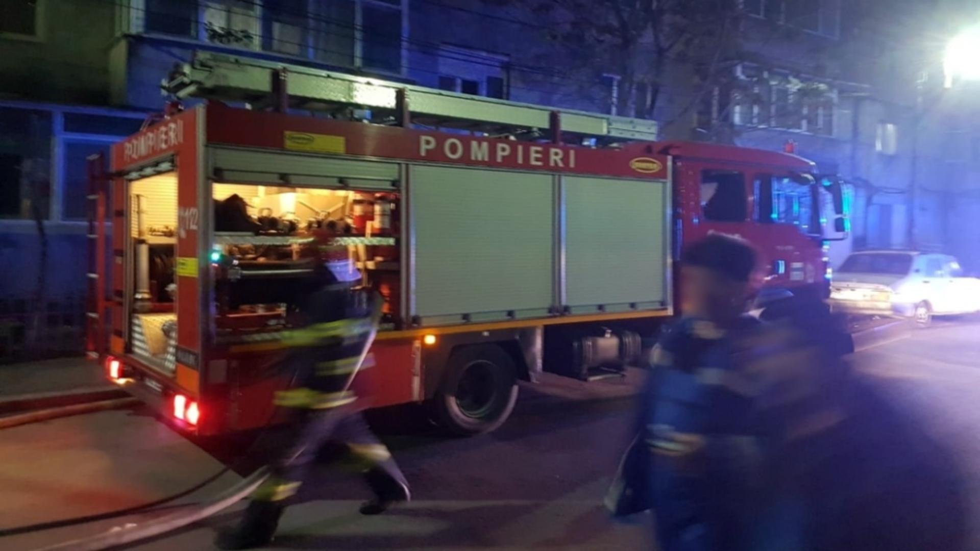 Intervenție pompieri incendiu Găești