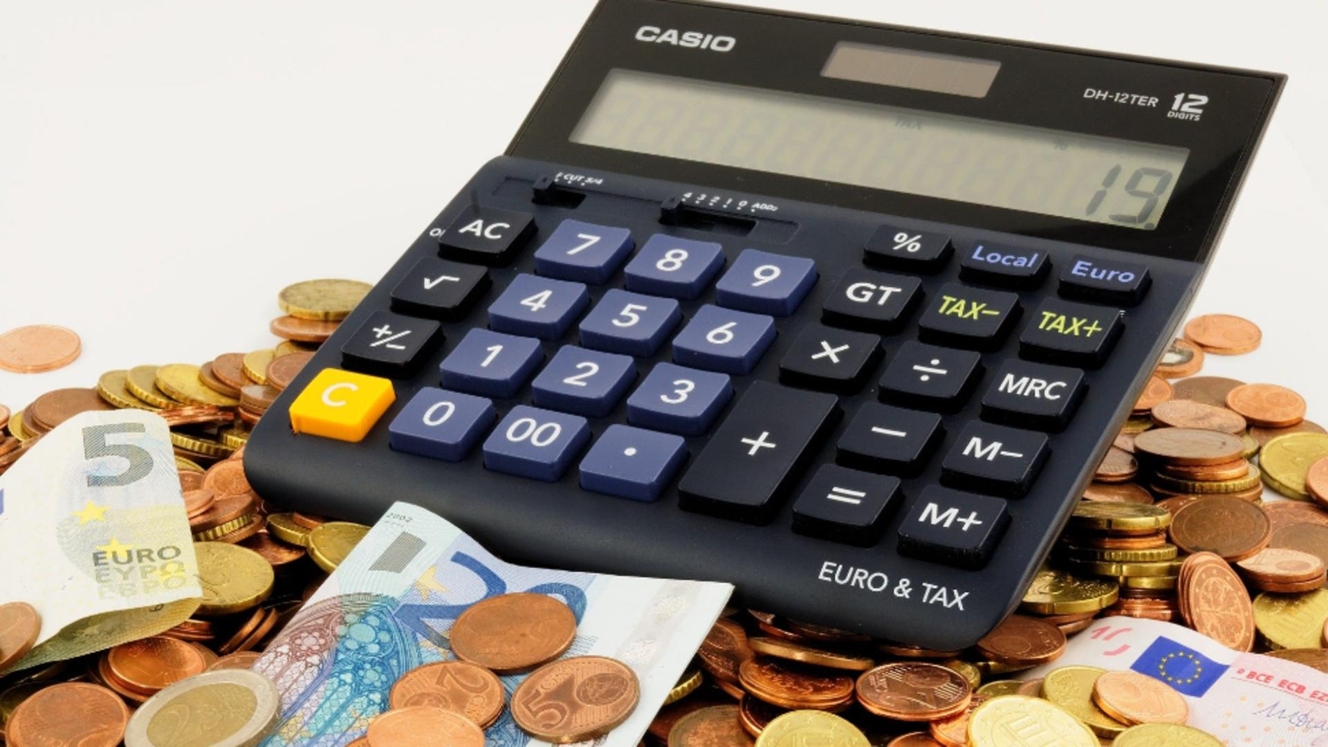 Amanarea ratelor la banci/sursa foto: pixabay