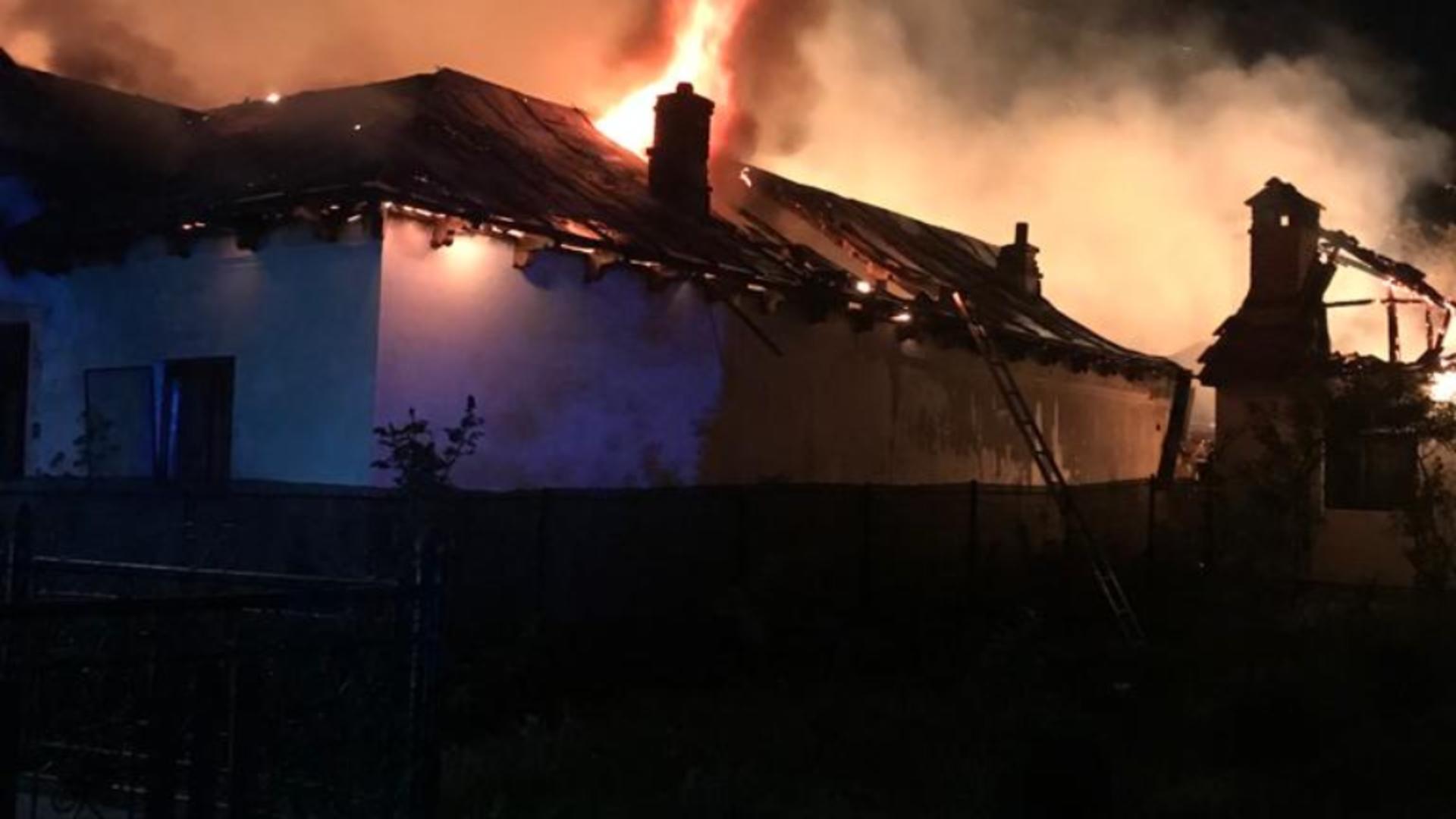 Incendiu devastator în județul Dolj (foto: radioinfionit.ro)