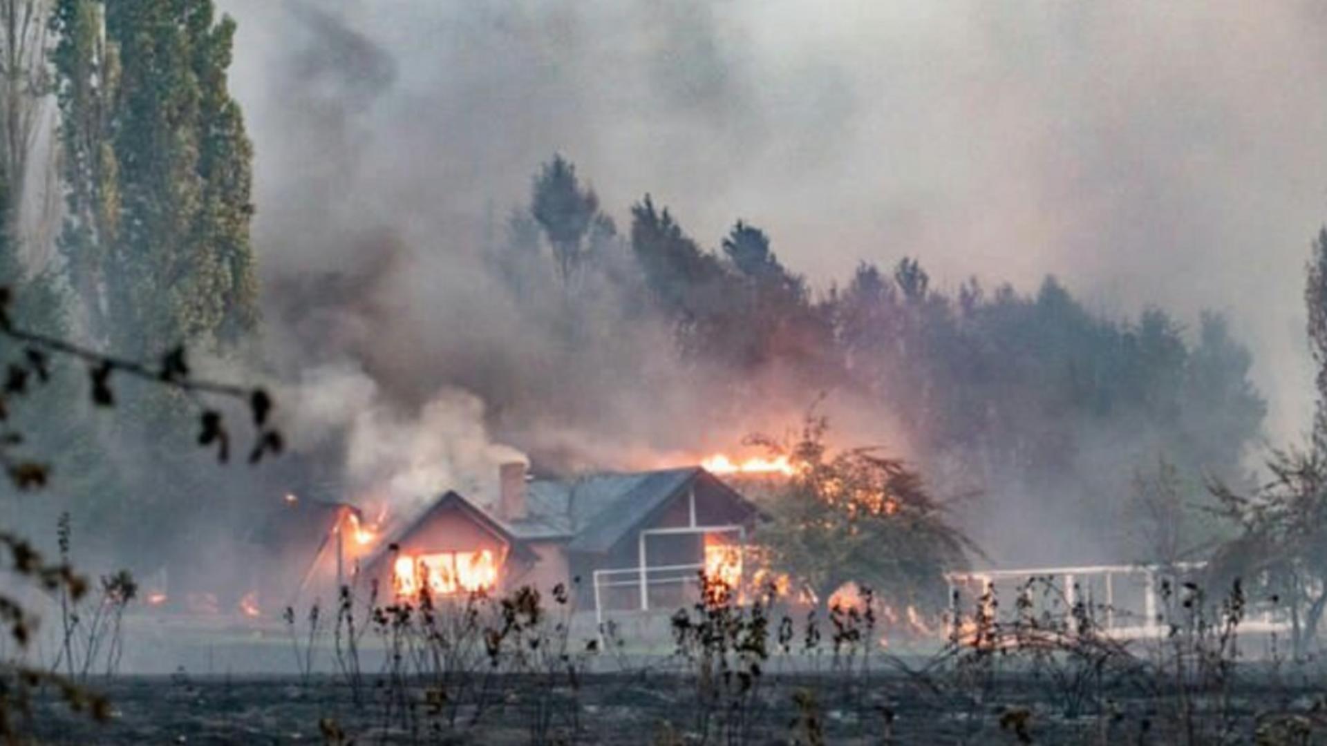 Proteste violente în urma incendiilor de pădure din Argentina