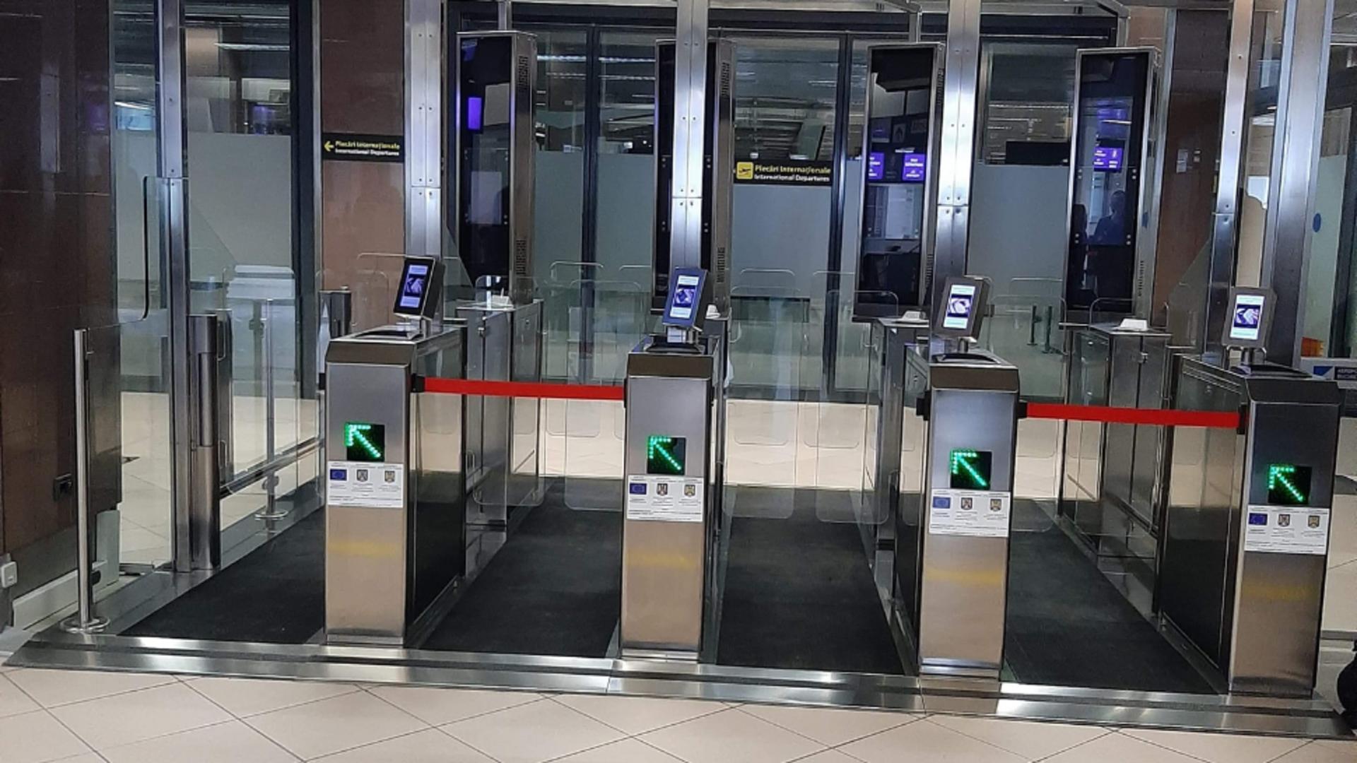 Aeroportul Otopeni are porți biometrice, iar cei care au astfel de pașapoarte nu mai stau la coadă la vameș
