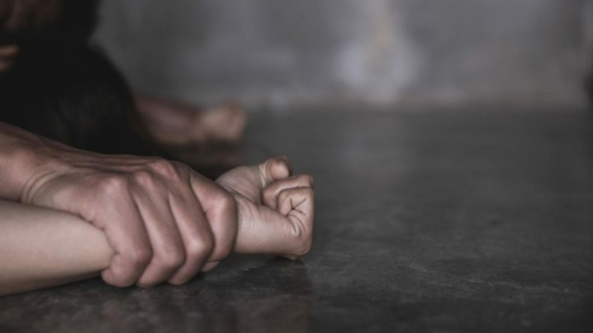 Urmărit internațional pentru agresiune sexuală