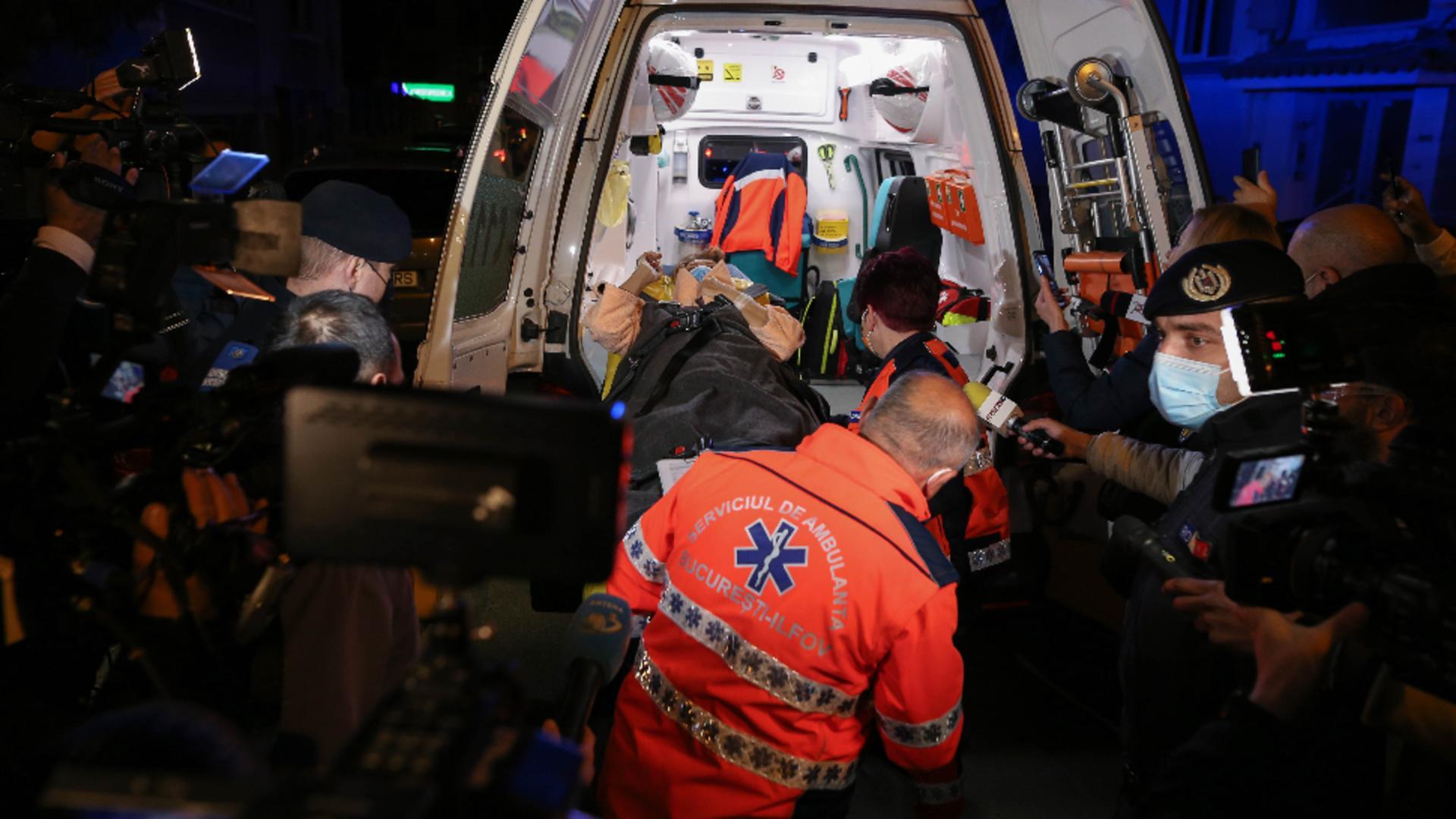 Evacuare Spital Foișor / Foto: Inquam Photos / Sabin Cirstoveanu