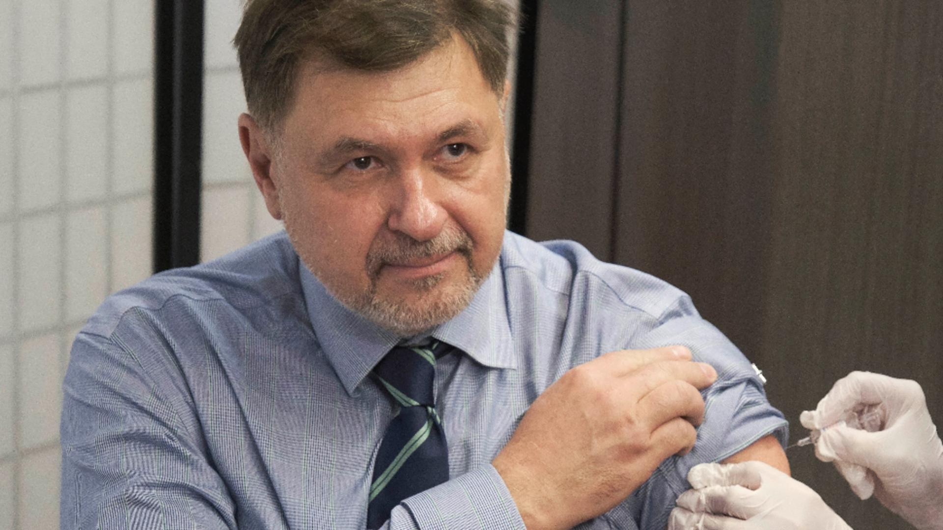 Nicușor Dan, persiflat de Alexandru Rafila după ce nu s-a vaccinat anti-COVID-19
